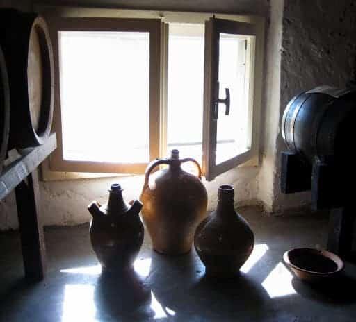 balsamic-vinegar-pottery