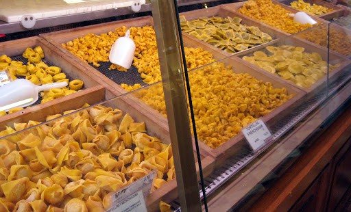 bologna-pasta-counter
