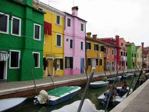burano-bright-houses