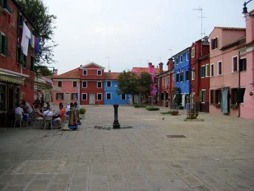 colorful-buildings-burano