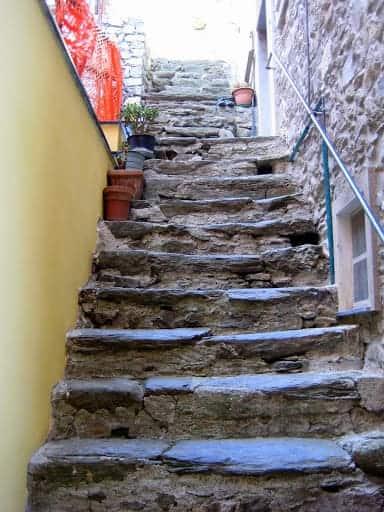 corniglia-stairway