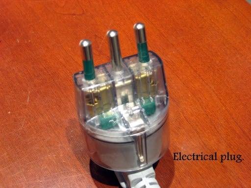 italian-electrical-plug