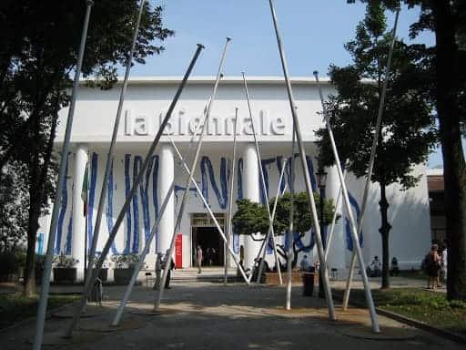 la-biennale-entrance