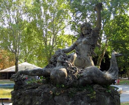 Matagnola Park Statue