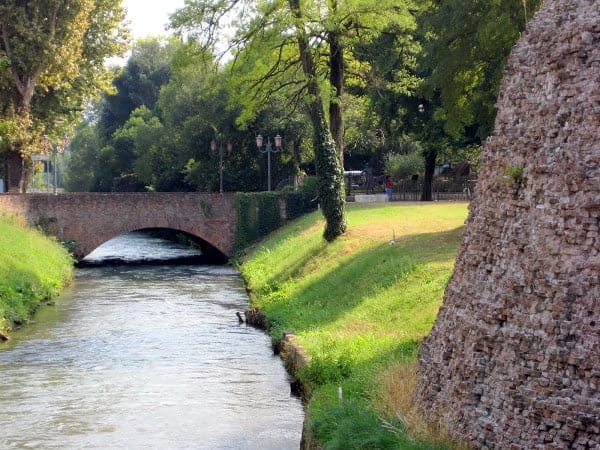 moat-and--ancient-Venetian-wall
