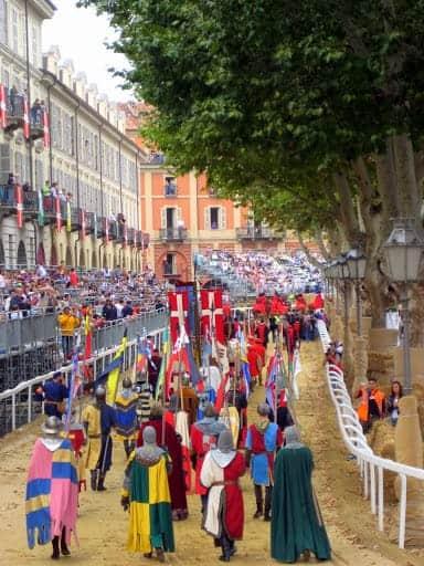 palio-di-asti-bareback-horse-race-6