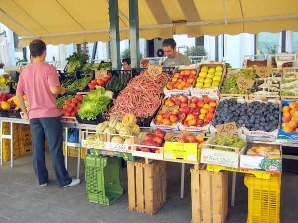 treviso-market-vegetable-stand