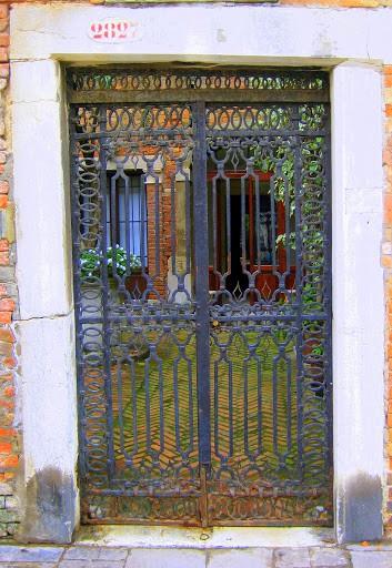 venice-courtyard