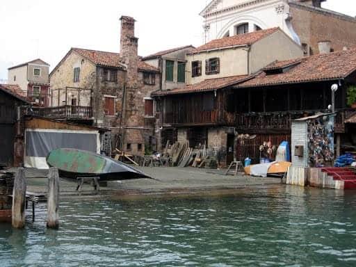 venice-gondola-repair-yard