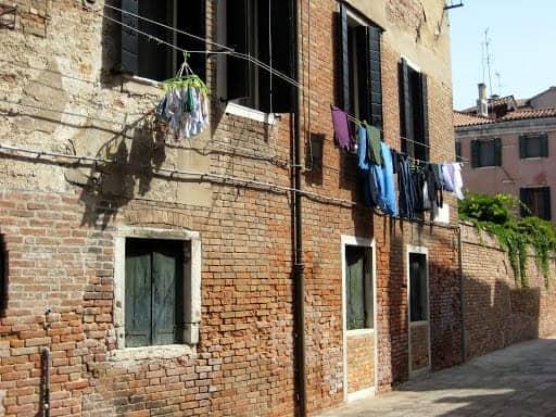 venice-laundry