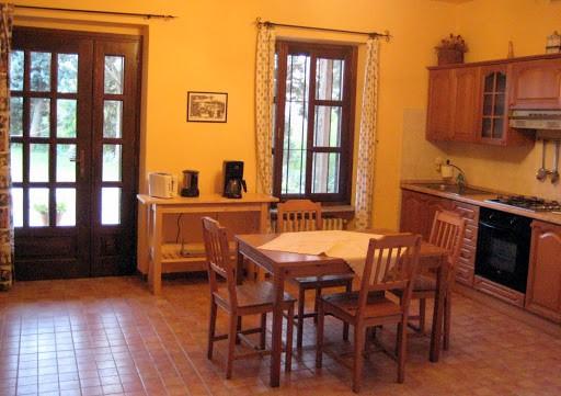 villa-sampaguita-kitchen