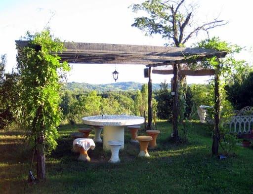 villa-sampaguita-outside-table