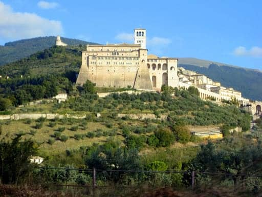 assisi-from-the-car-3