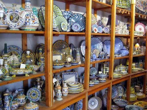 deruta-pottery-shop