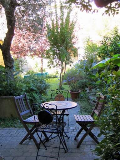 florence-apartment-garden