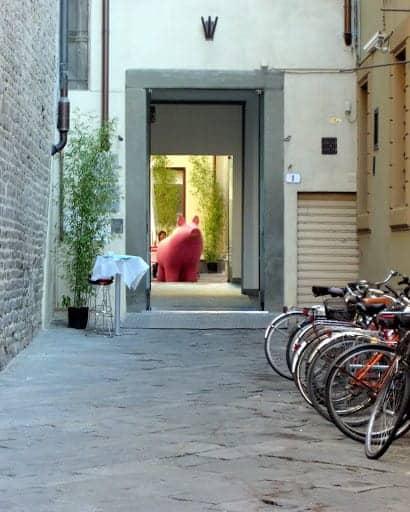 florence-pink-pig