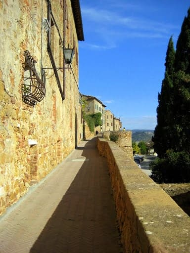 montalcino-walking-path