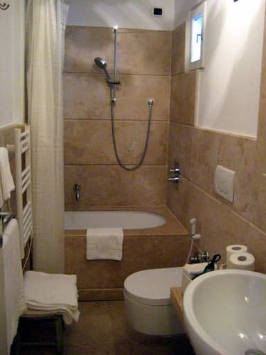 monti-apartment-bathroom-2