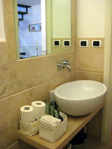 monti-apartment-bathroom