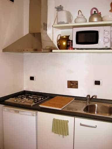 monti-apartment-kitchen