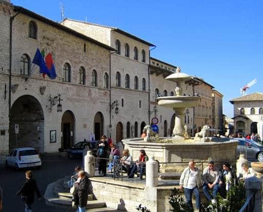 piazza-del-commune