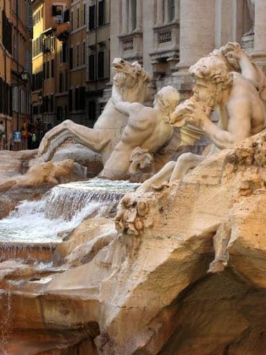 piazza-di-trevi-fountain-3