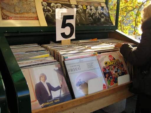 roman-record-store