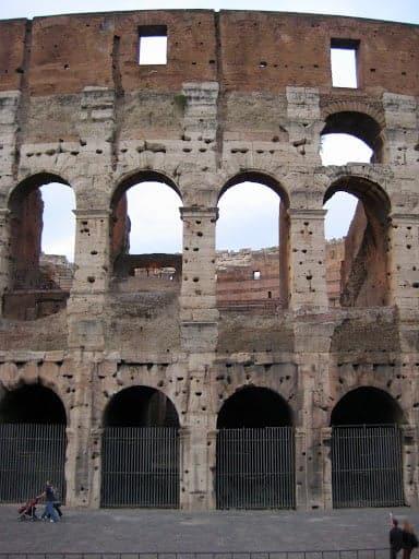 rome-colosseum-11