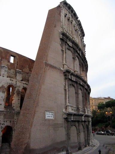 rome-colosseum-12