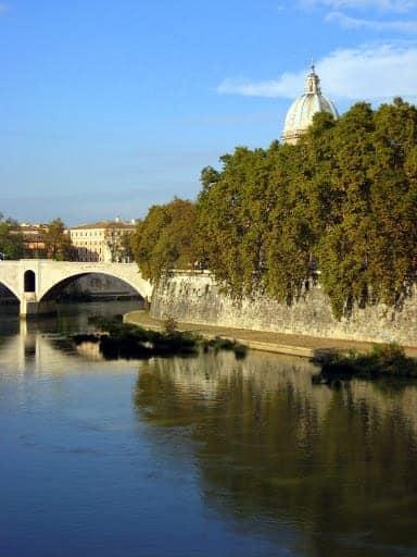 rome-tiber-river-2