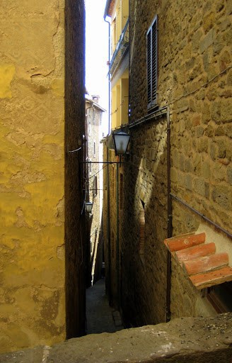 walking-around-cortona-5
