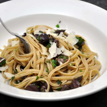 Rustic Linguine with Summer Herbs and Olives