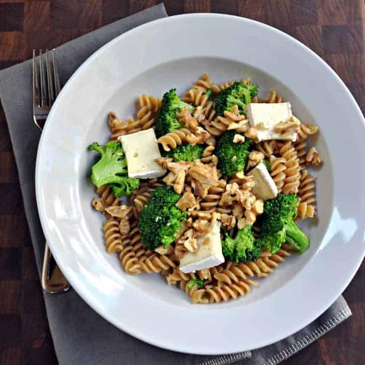 broccoli brie and walnut rotini