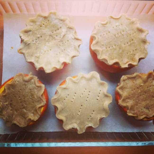 Mini-Pumpkins-with-Crust