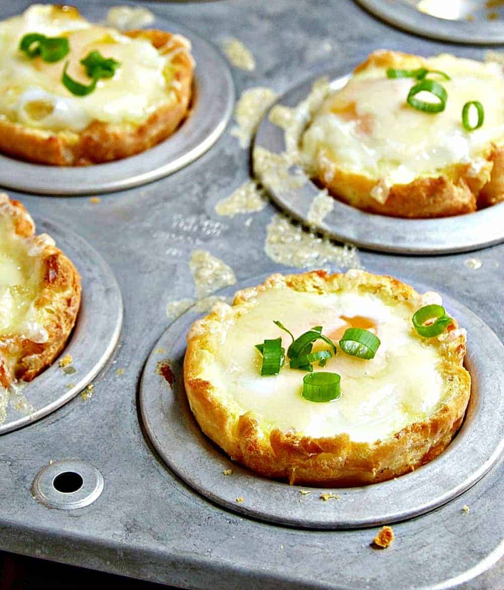 Baked Eggs with Gruyere
