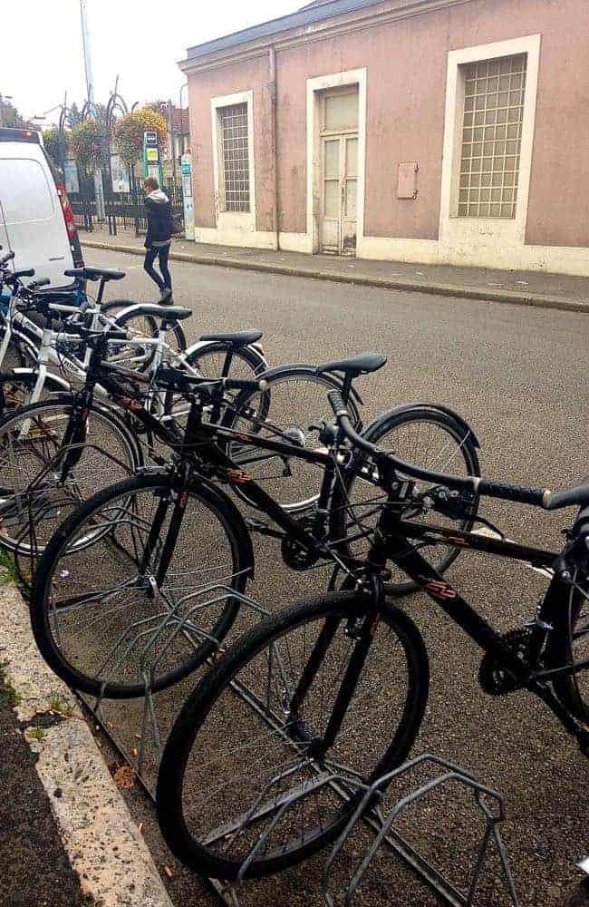 Monet - bikes for rent