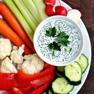 Homemade-Ranch-Dressing Served with Crudite
