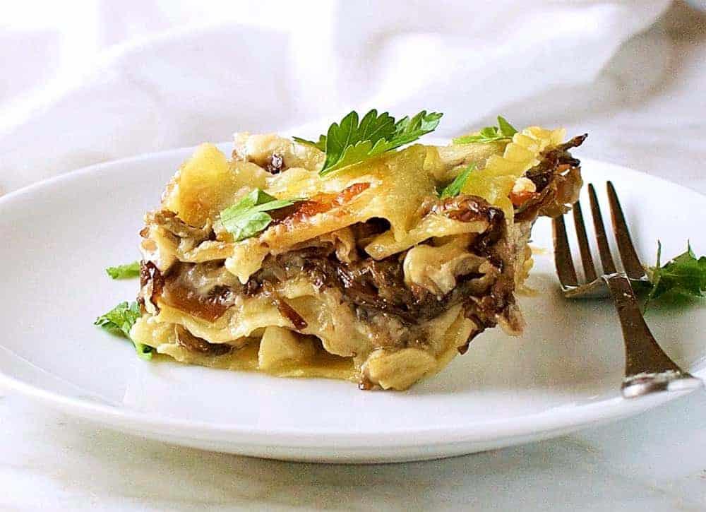 creamy-mushroom-lasagna-from-side