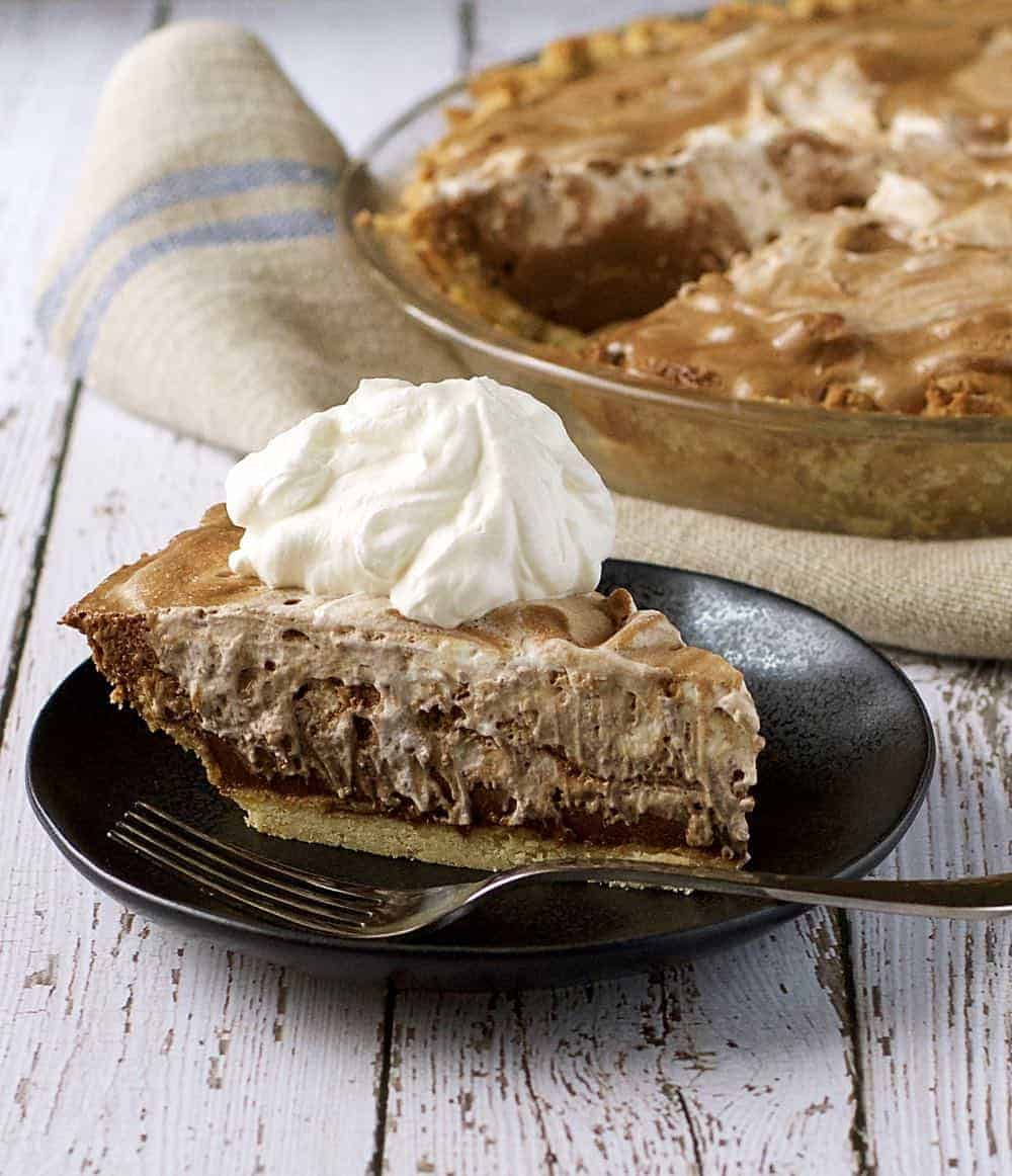 chocolate-rum-pie-slice