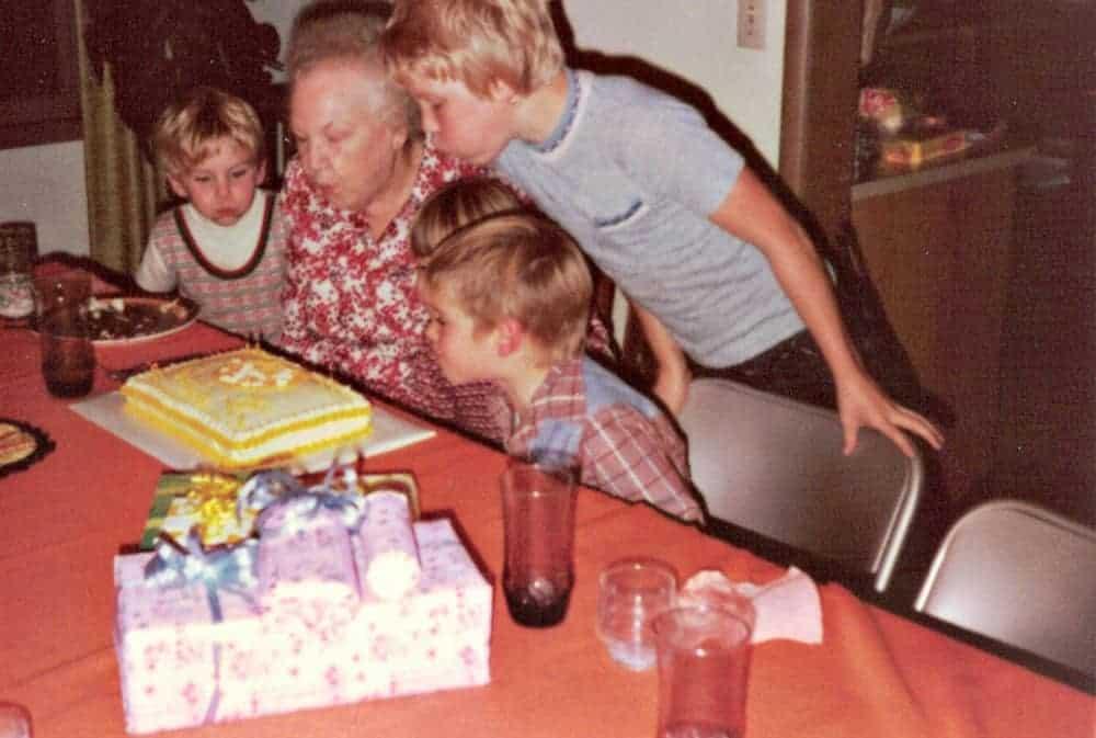 grandma-with-her-grandchildren