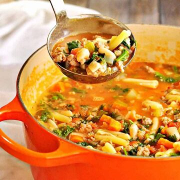 Pasta_e_Fagioli being served from a ladle