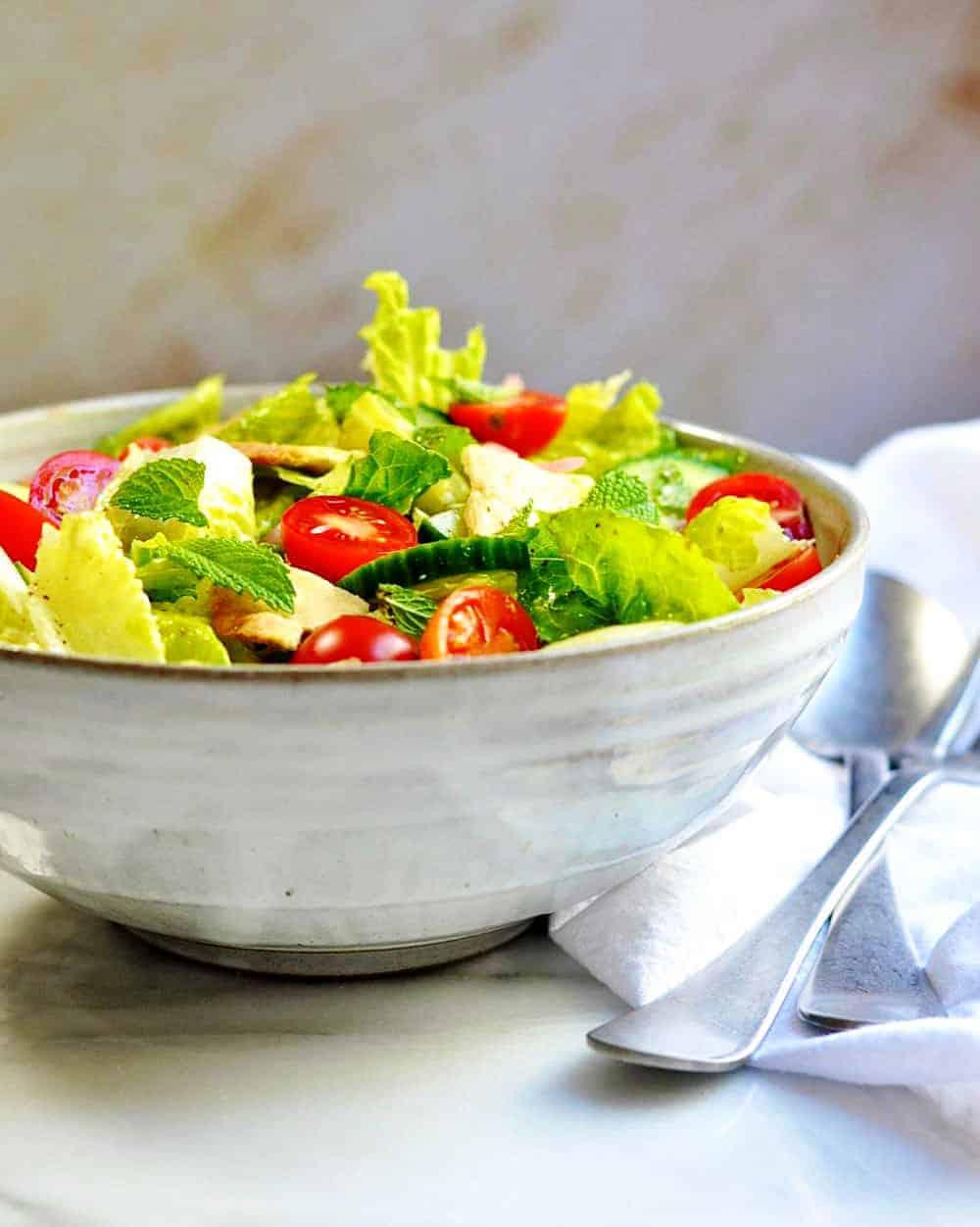Fattoush-Salad served in a ceramic bowl