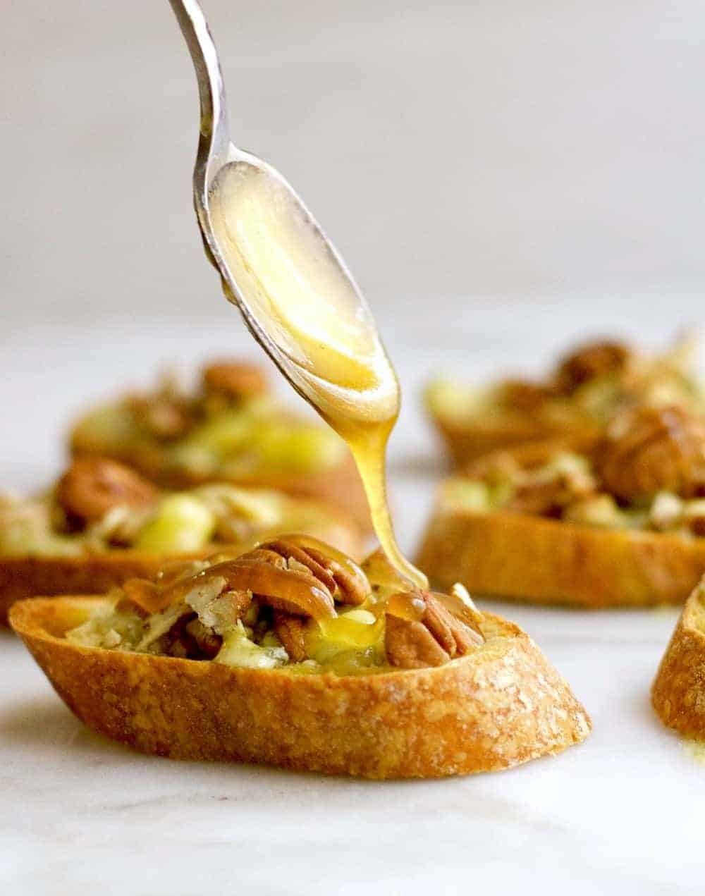 An easy recipe for Blue Cheese Crostini with Pecans and Honey
