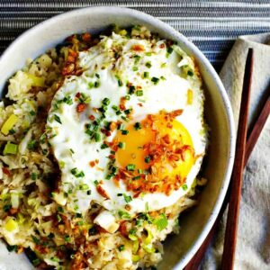 Cauliflower-Fried-Rice-served-with-Chopsticks-and-Napkin