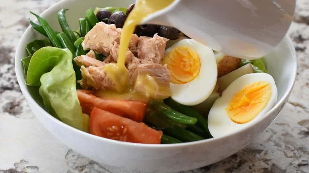 dressing nicoise salad