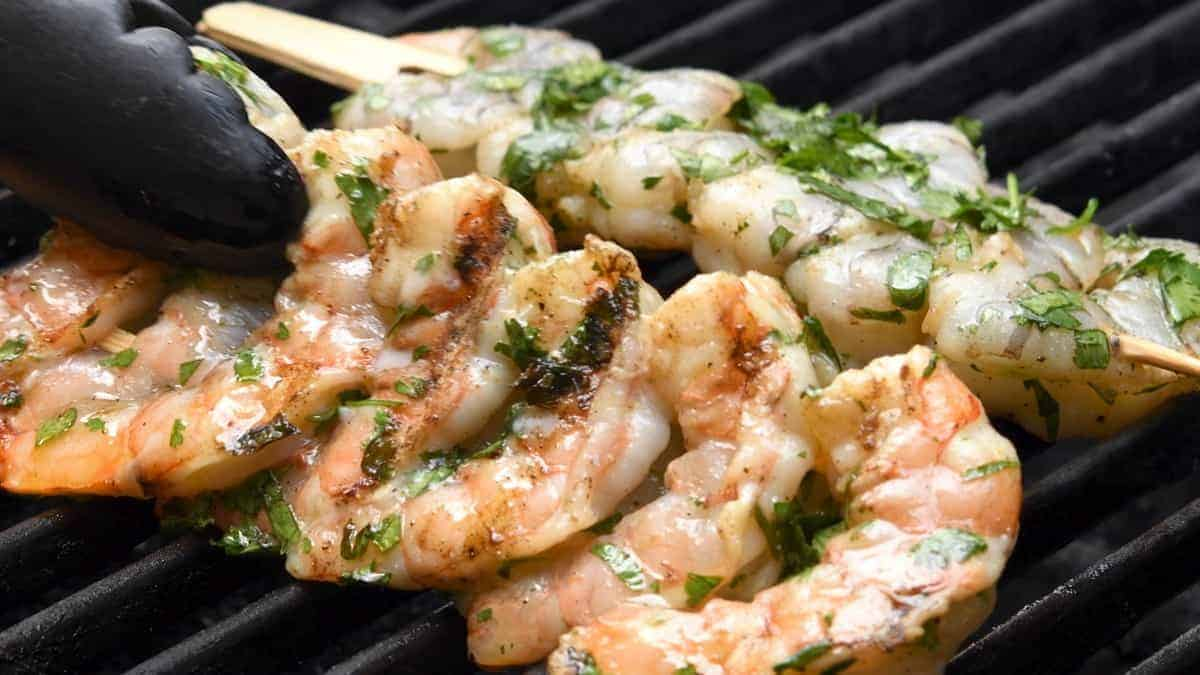 grilling marinated shrimp