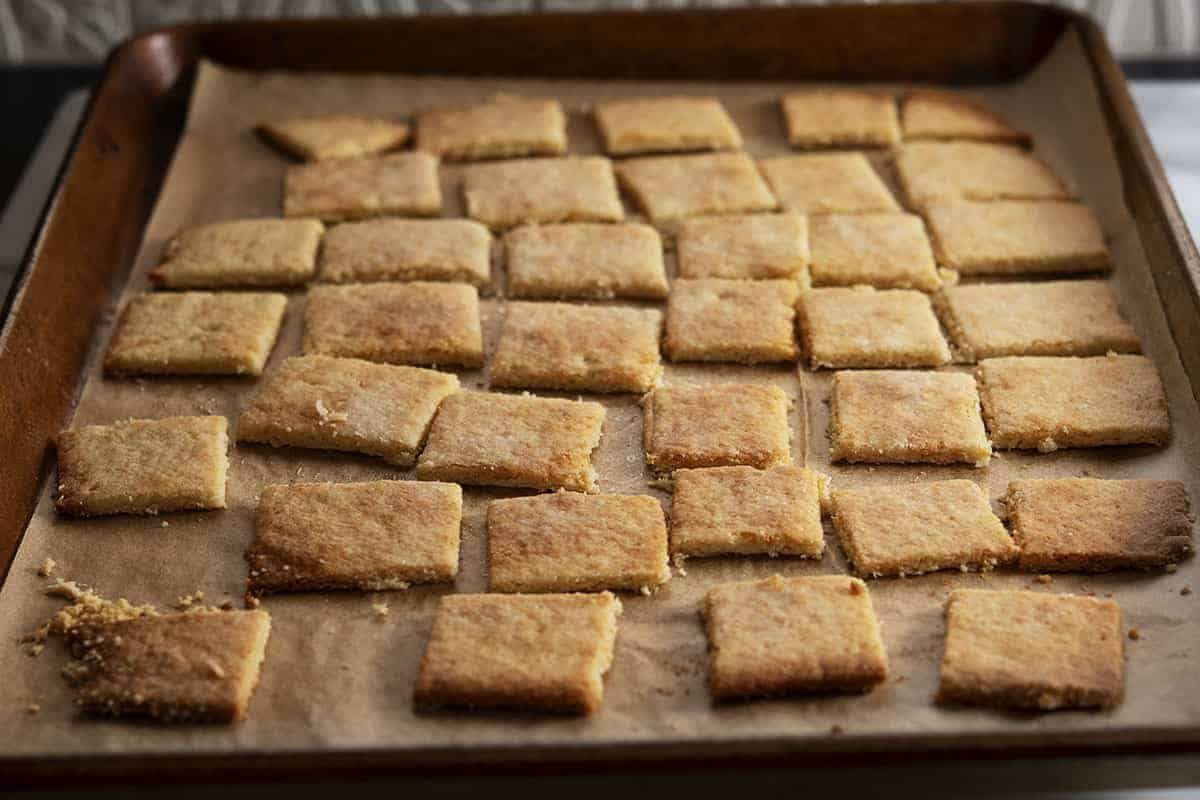 almond flour crackers baked and ready to serve