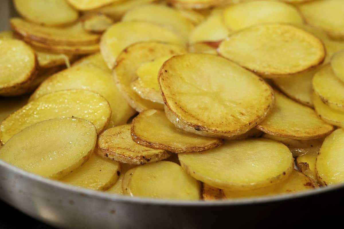 pan fried potato slices in butter