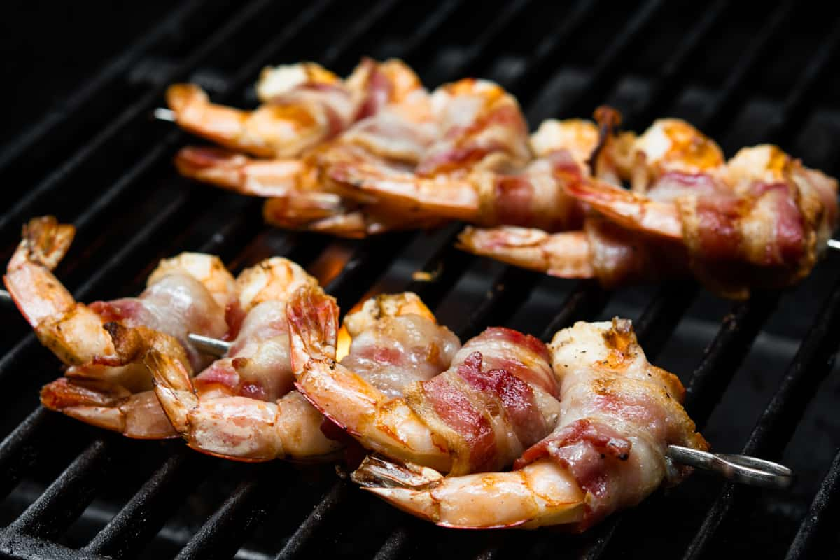 bacon wrapped shrimp on the grill